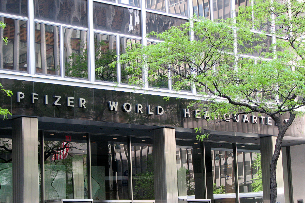 us-strikes-deal-with-pfizer-and-biontech-for-covid-vaccine