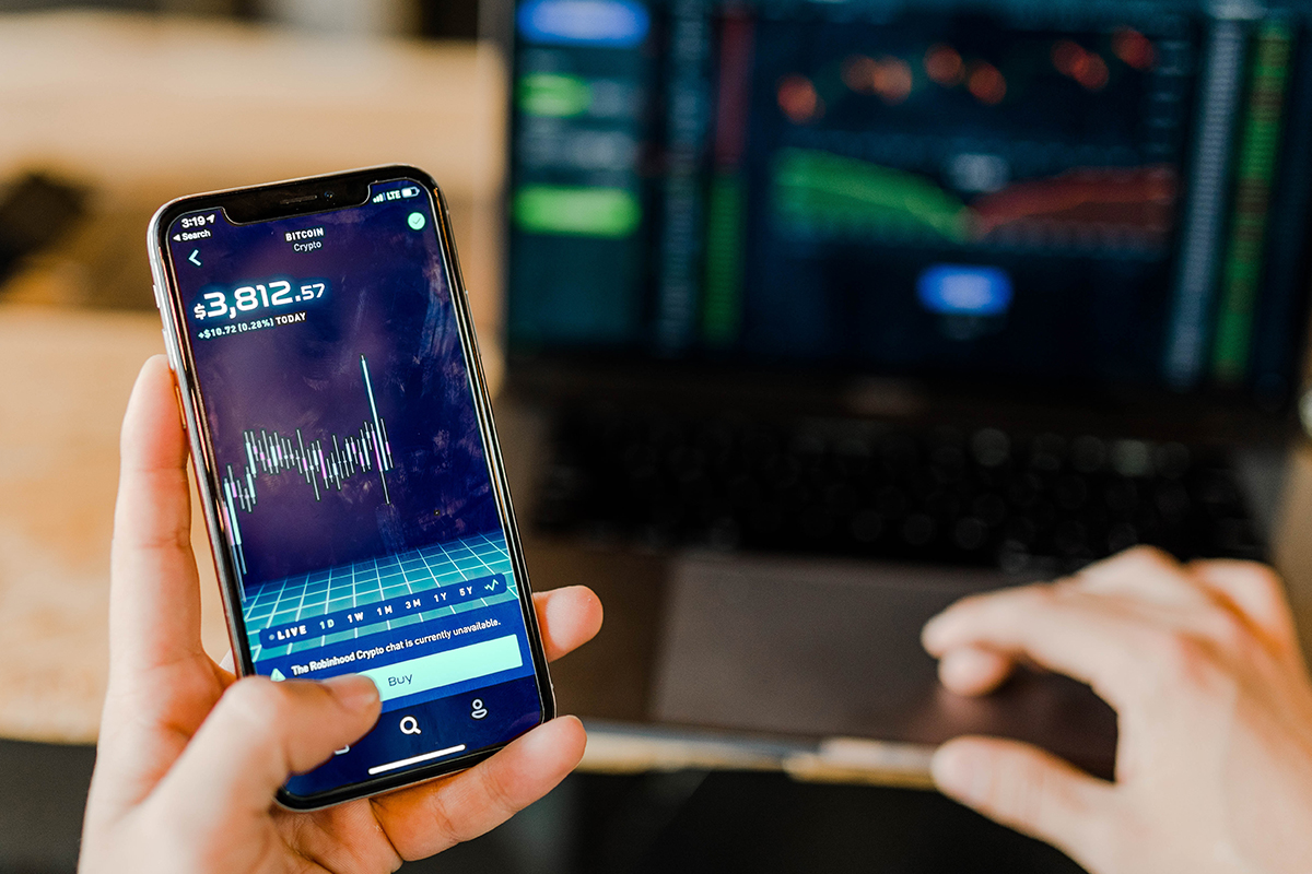 Stock market trading on iphone